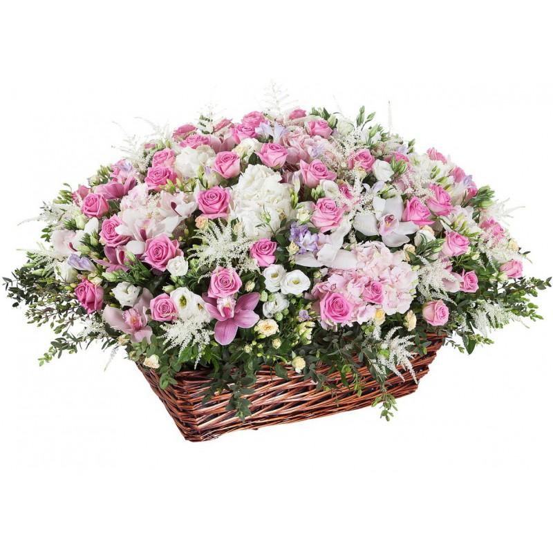 Цветочная композиция из роз, орхидей и гортензий