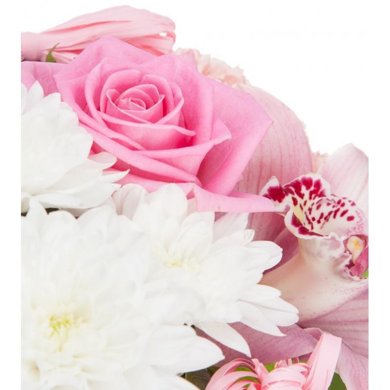 Букет из орхидей, гвоздик и роз