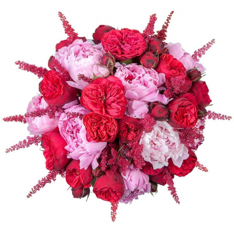 Букет из роз, пионов и астильб