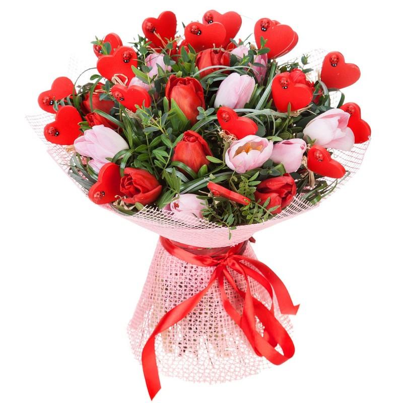 Букет из розовых и красных тюльпанов