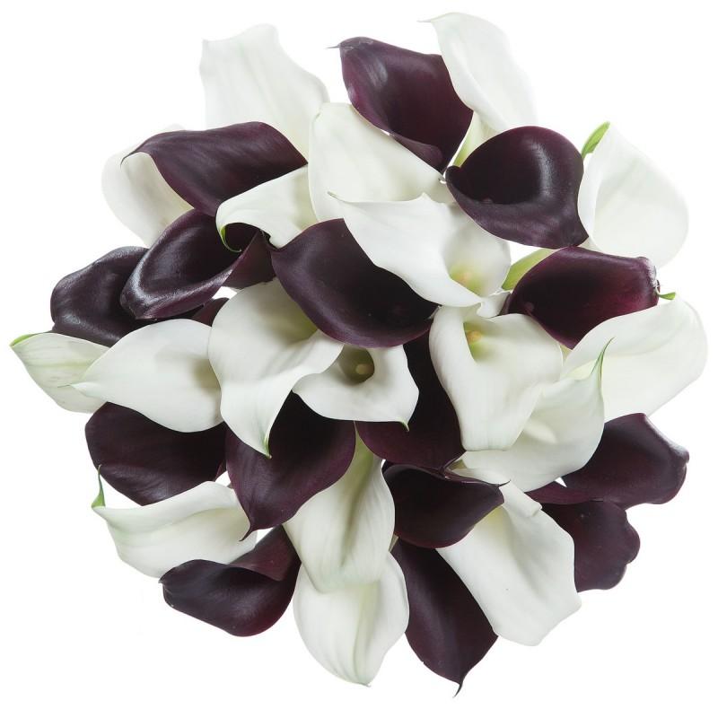 Букет из черно-белых калл